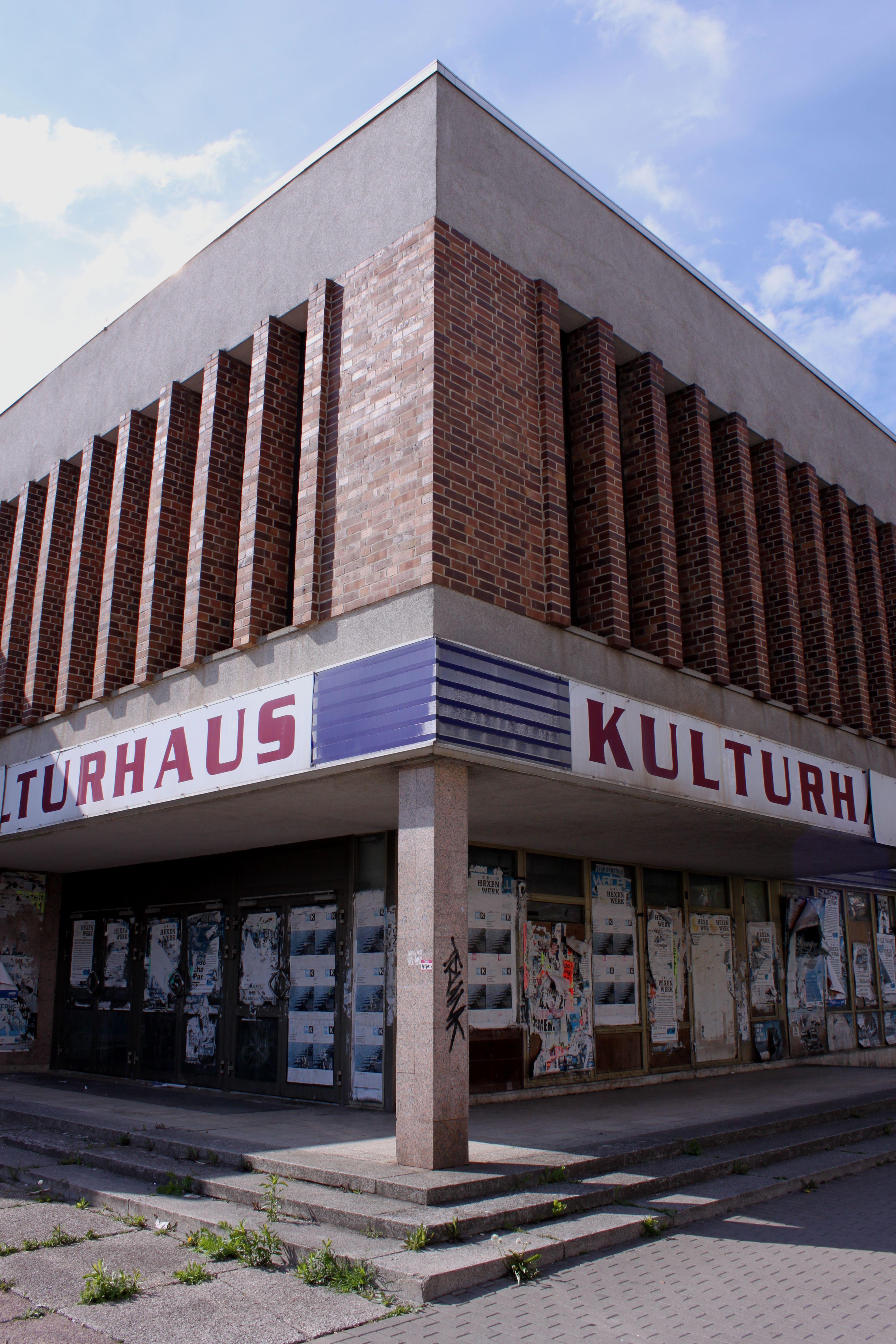 Das Kulturhaus in dem leider keinerlei Kultur mehr statt findet.