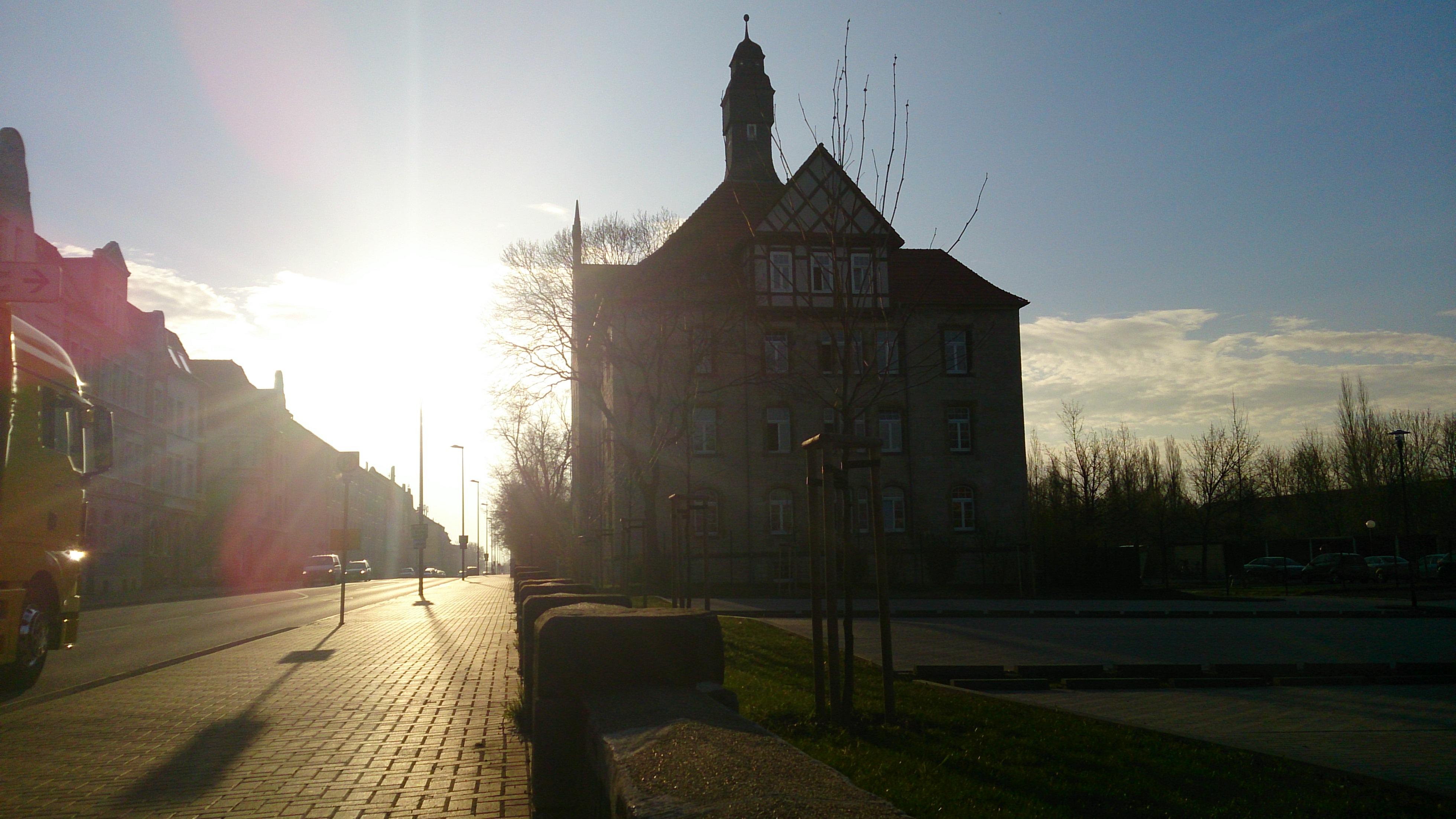 Sonne verwöhnt den Abend in Halberstadt mit ihren Strahlen...